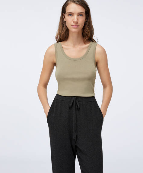 Basic-Shirt aus ökologisch produzierter Baumwolle