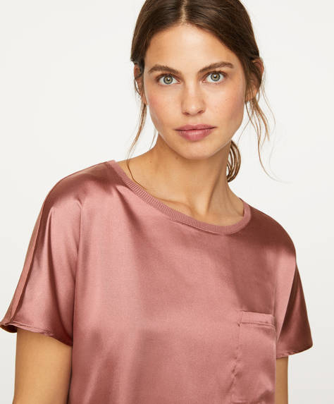 Satin-T-Shirt mit Materialkontrast