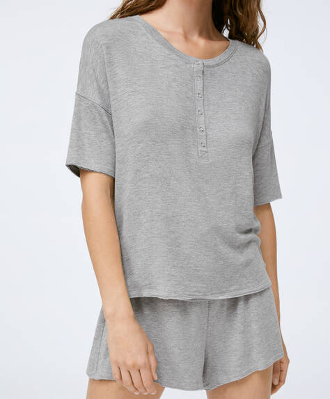 Plain short-sleeved T-shirt