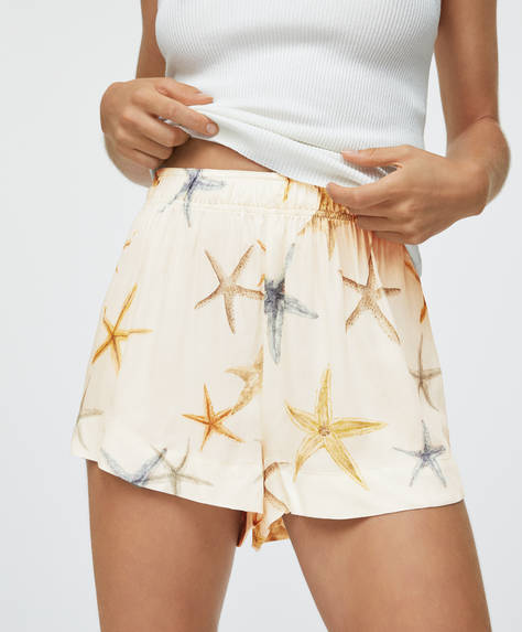 Short avec étoiles de mer