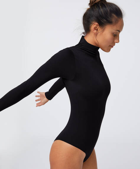 Seamless long-sleeved body