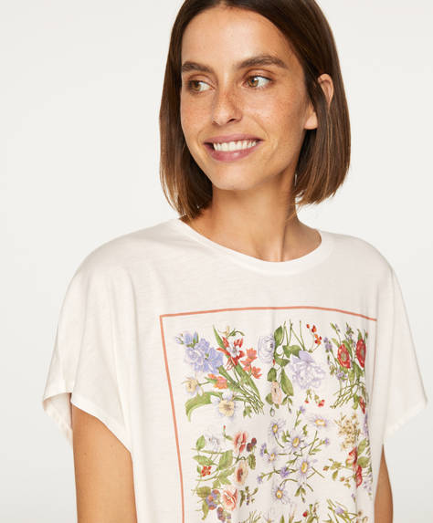Short-sleeved floral T-shirt