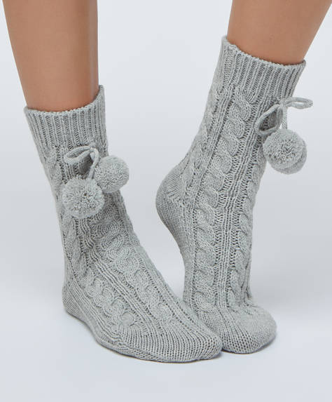 1 pair of thick grey socks