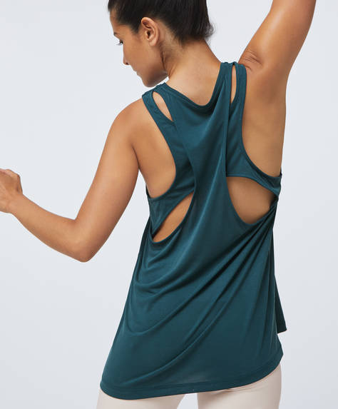 Modal top with back slits
