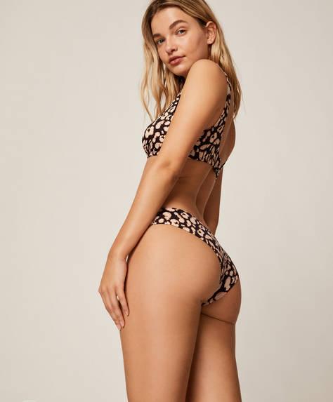 Brasilianisches Bikinihöschen mit Flecken im Leoparden-Look.