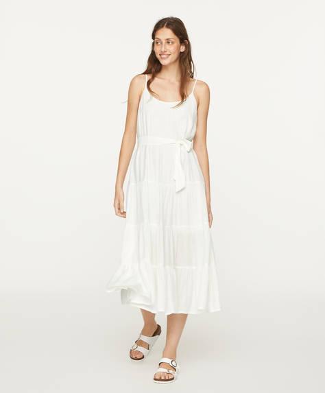 Белое платье с оборками