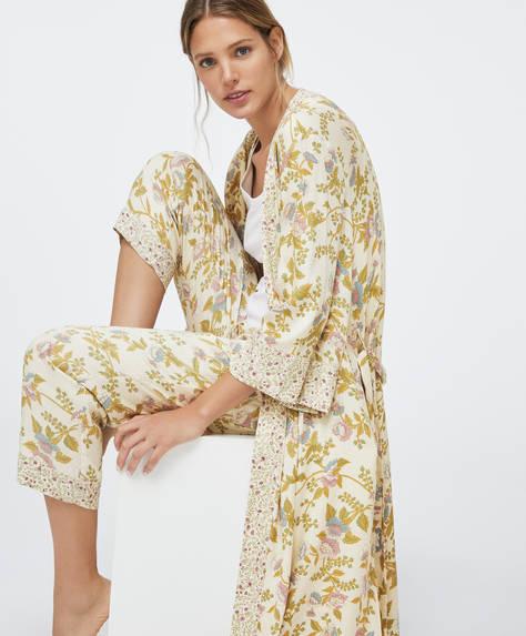 Длинный халат с цветочным принтом в винтажном стиле