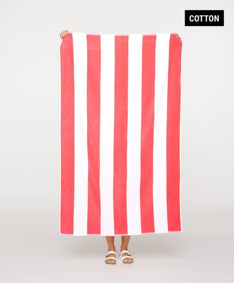 Handtuch mit roten Längsstreifen