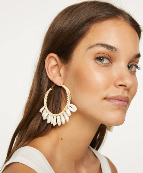Shell raffia earrings
