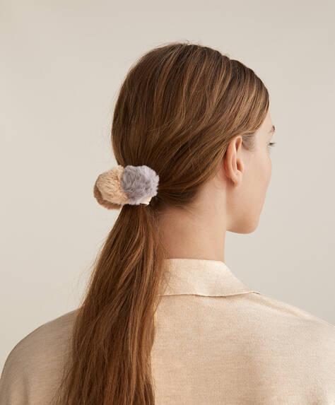 3 pompom hair ties