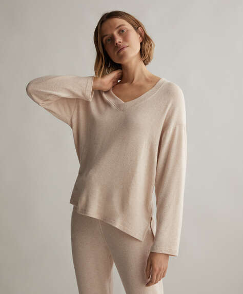 Soft touch jumper with long sleeves and V-neck.