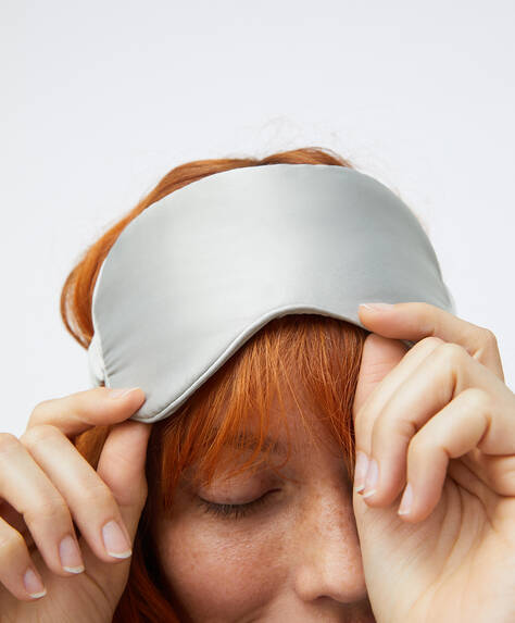 Plain sleep mask