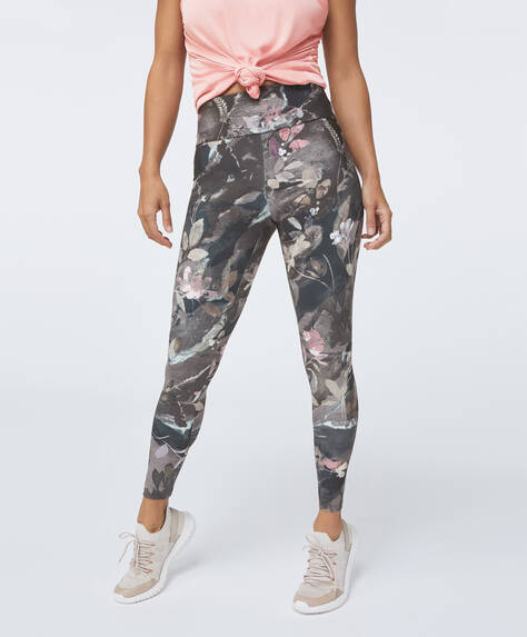 Leggings with floral print on a dark background