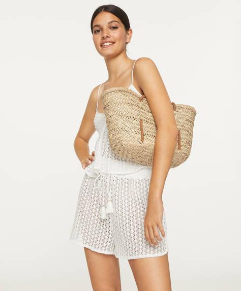 Virkade shorts med geometriskt mönster