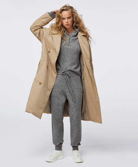 Water-repellent padded trench