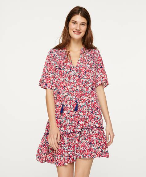 Vestido curto com estampado de flores