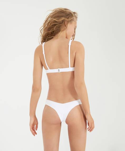 Brasiliansk bikinitrosa med V-skurning
