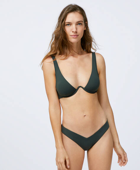 Brazilian bikini briefs with V-shaped front. Recycled polyamide fabric.