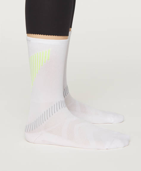 1 pair of technical sports socks