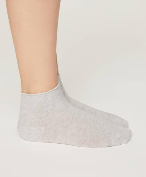 Une paire de chaussettes en coton biologique