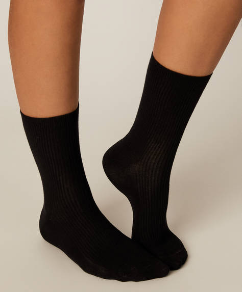 1 pair of ribbed cotton socks