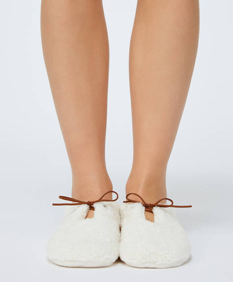 Bow detail slippers