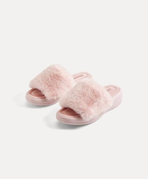 Slippers met imitatiebont en plateauzolen