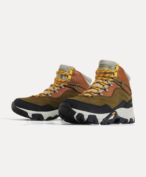 Vibram ® sole Trekking Boots