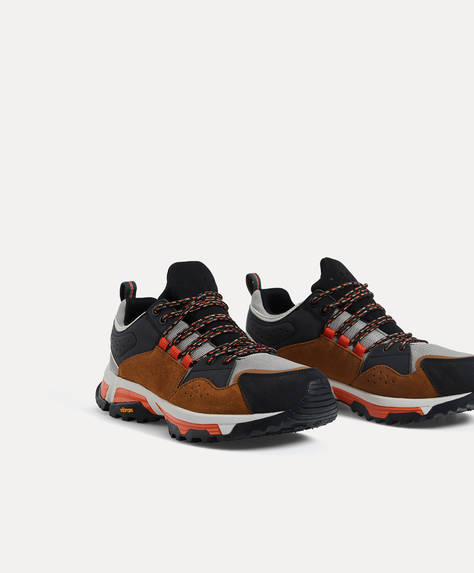 Vibram ® sole Trail Trainers