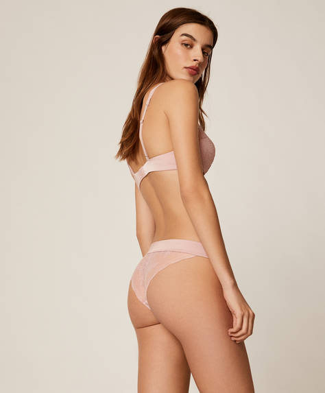Strappy classic briefs in lace fabric. Satin finish stretch waistband.