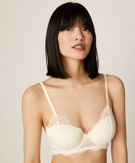 Lightly padded leaf pattern lace bra