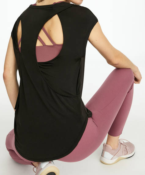 T-shirt med slidser på ryggen