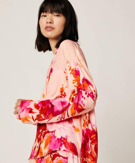 Camisa rosa com flor