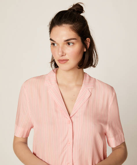 Pink stripe short-sleeved shirt