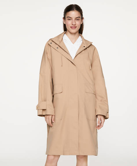 Durable water-repellent trench coat
