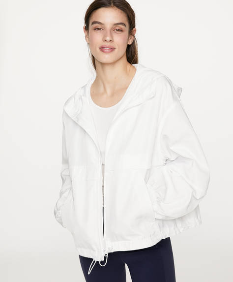 Short windbreaker