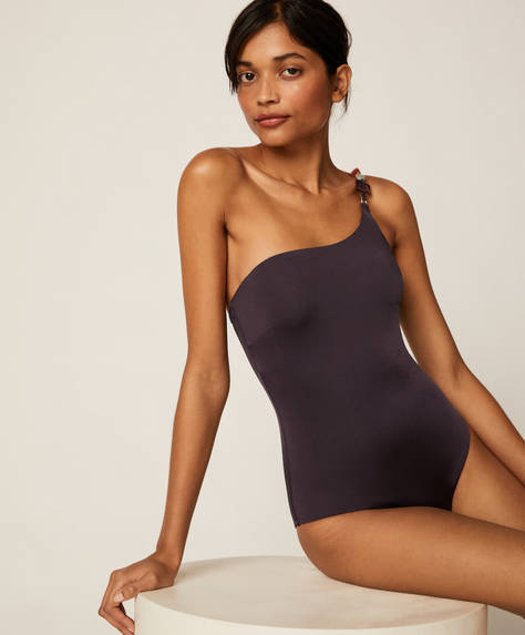 One-shoulder swimsuit