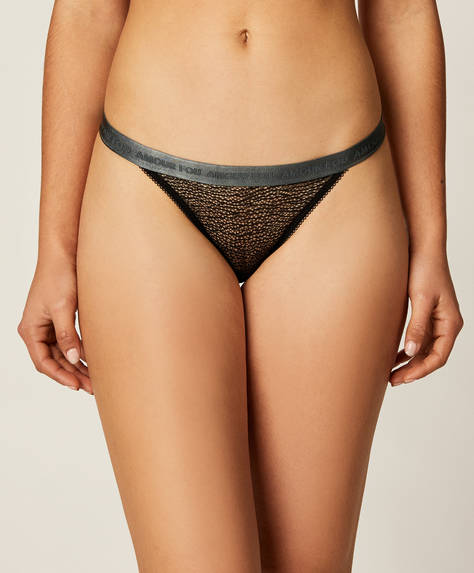 3 elastic Brazilian briefs