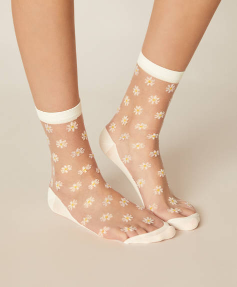 1 pair of daisy socks