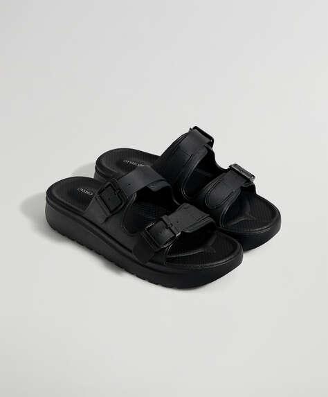 Sandalia hebillas negra