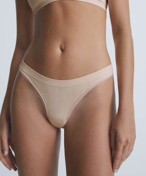 Cutwork seamless thong