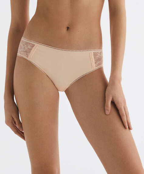 Seamless lace hipster briefs
