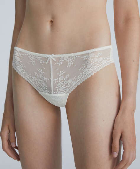 Romantic lace hipster thong