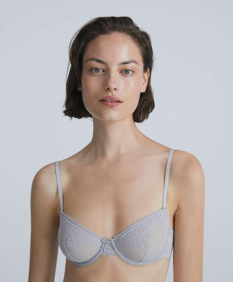 Romantic lace underwired bra