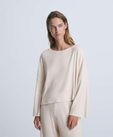 Long-sleeved comfort feel T-shirt