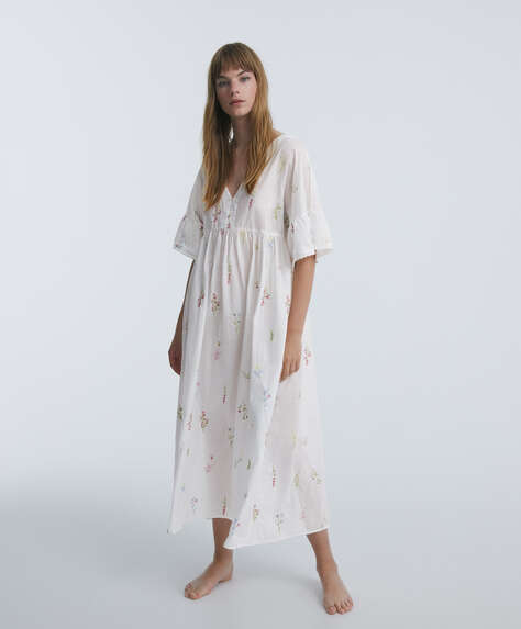 Embroidered 100% cotton short-sleeved nightdress