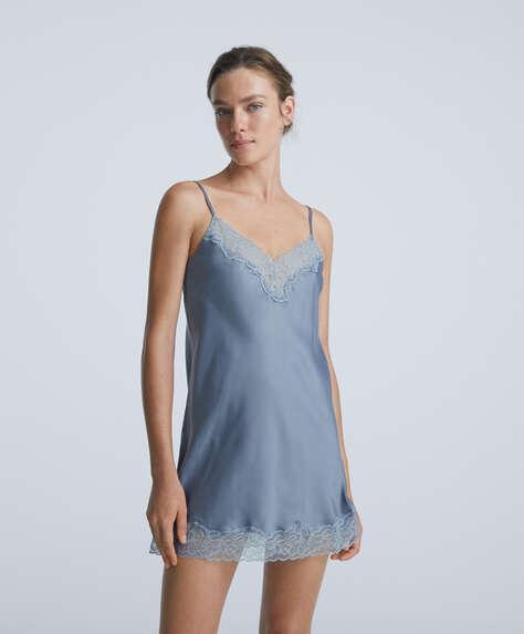 Chemise de nuit courte style lingerie en satin avec dentelle