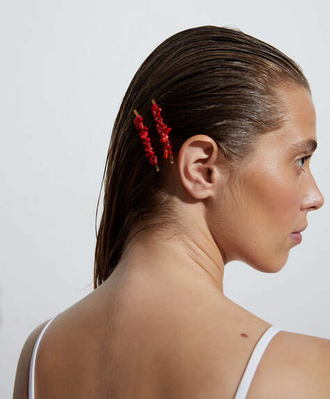 2 coral hair clips