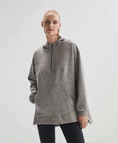 Oversize knit crop sweatshirt