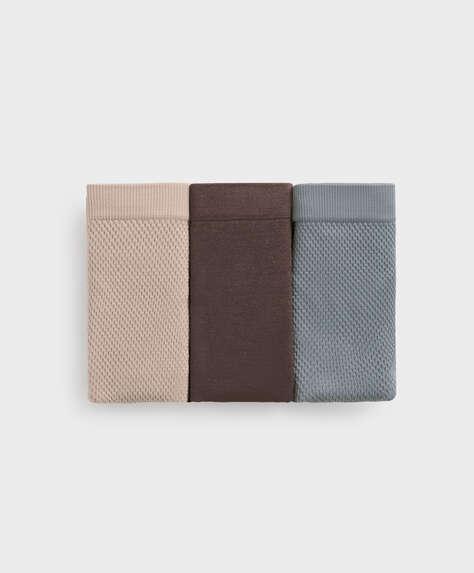 3 seamless piqué thongs